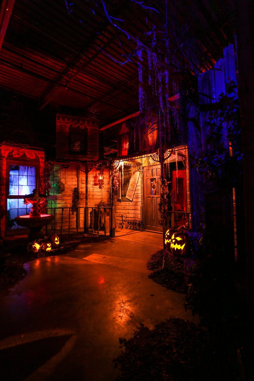 reign of terror rot haunted house thousand oaks janss marketplace bruce stanton