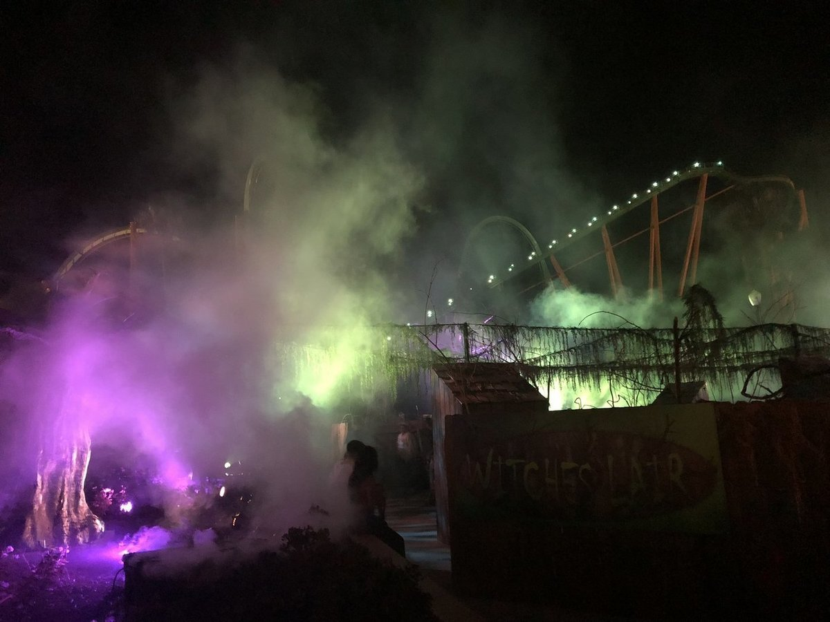 six flags magic mountain fright fest 2018 theme parks haunted attractions valencia